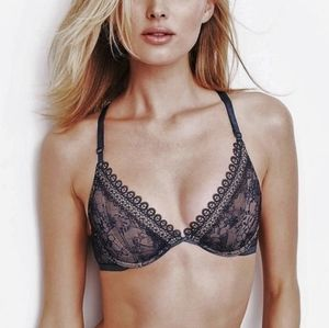 🍒NWT🍒 VICTORIA'S  SECRET UNLINED PLUNGED BRA